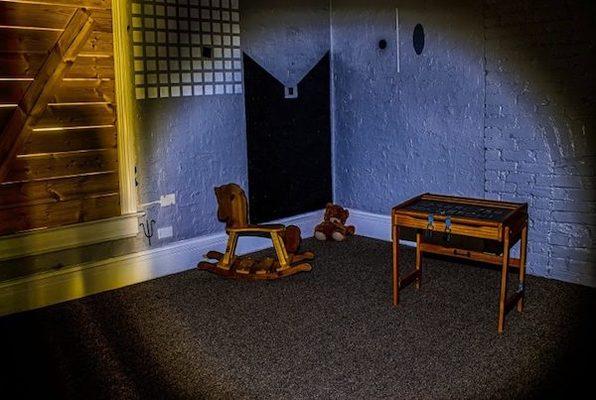 The Dark Room (ROOM 5280) Escape Room