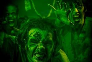 Квест Zombie Experience