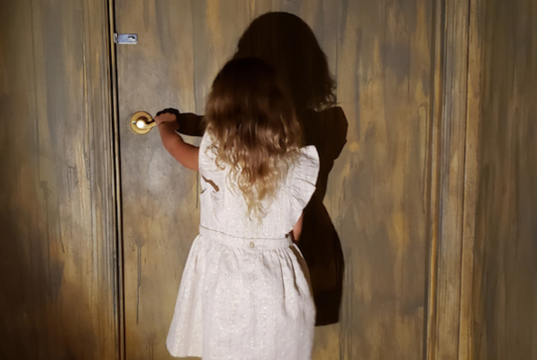 Nora's Nightmare (Puzzling Escape) Escape Room