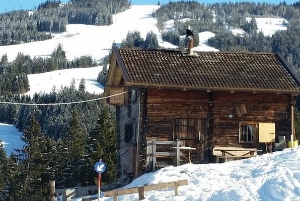Die Skihütte