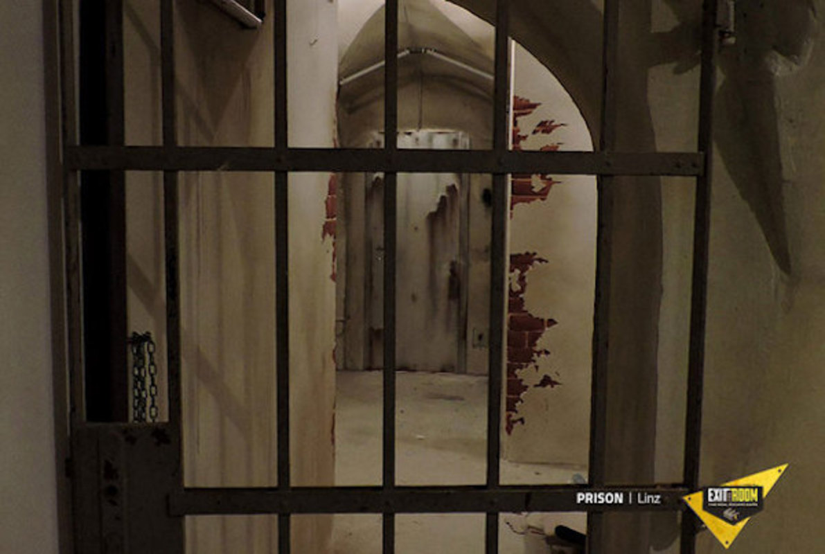 Prison Online