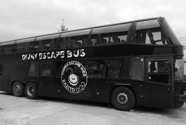 Divný Bus