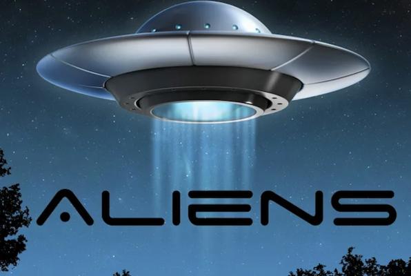 Aliens Online (Golden Puzzle Room) Escape Room