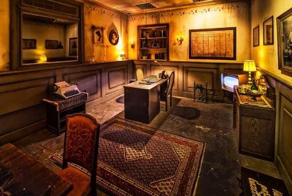 Escape Extraordinary Directeur F.Haltsman (De Voltage) Escape Room