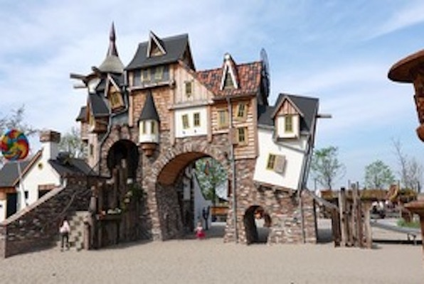 Hansel & Gretel: Steampunk Witch Hunters