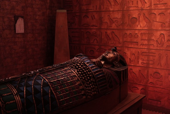 The Egyptian Tomb (Clue Chase) Escape Room