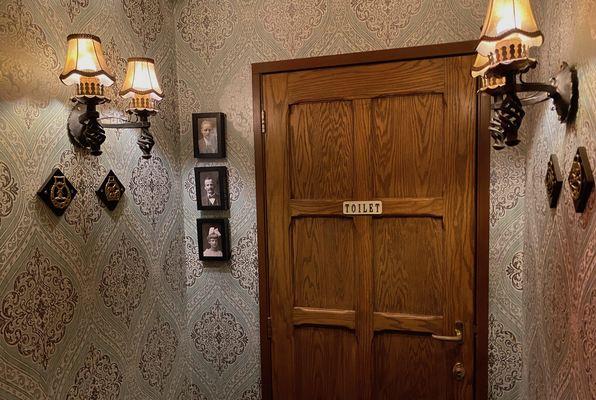 Family Secrets (Breakout Room) Escape Room
