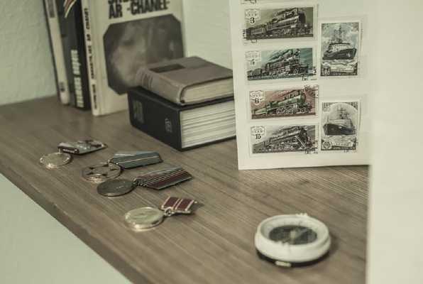 1985 - Ceļojums pagātnē (Mystery House) Escape Room
