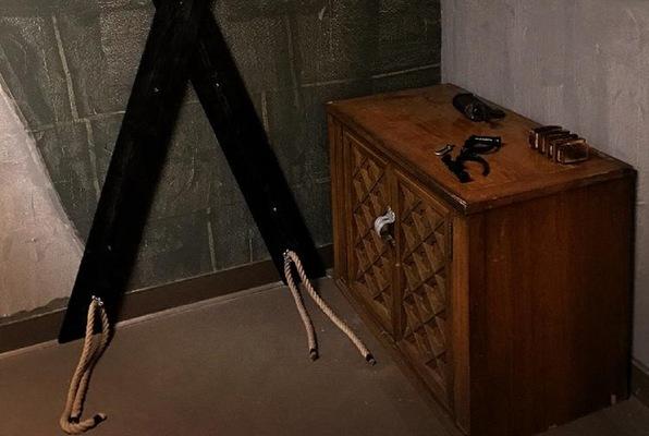 The Dungeon: Chains & Crosses (The Escape Zone) Escape Room