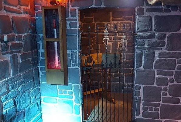 Dungeon of Doom (Clue HQ Brentwood) Escape Room