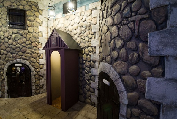 The Castle (The Real Escape) Escape Room