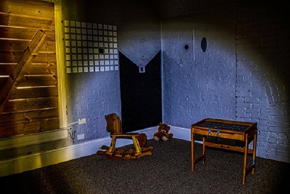 The Dark Room (ROOM 5280) Escape Room
