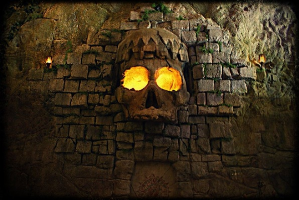 Cutthroat Cavern (13th Gate Escape) Escape Room