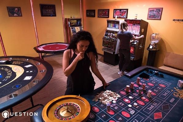 Casino (QUESTION Escape Room Games) Escape Room