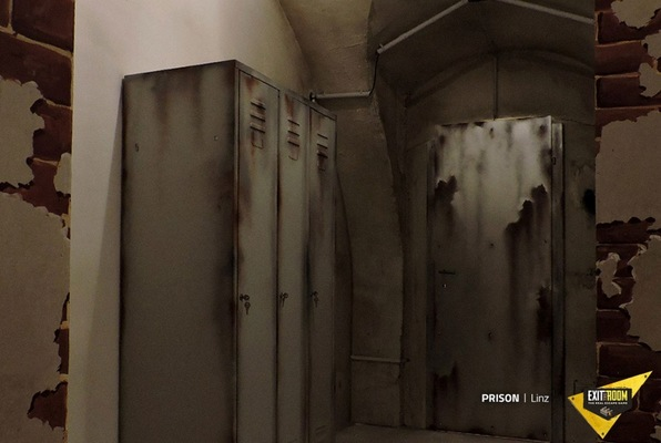 Prison (Exit the Room Debrecen) Escape Room