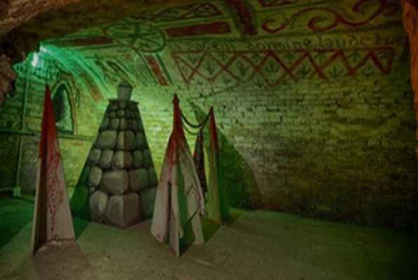 SECRET OF TOMB (TRAP) Escape Room