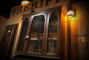 Квест Evans & Sontag Jail Cell Escape