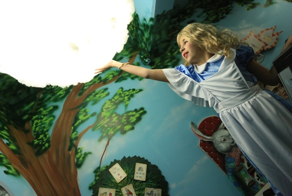 Alice in Wonderland (MindEscape) Escape Room