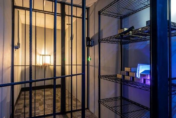 Diamond Heist (International Quests Escape Rooms) Escape Room